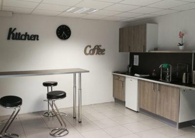 cuisine bar et meuble cuisine 400x284 - Bureaux à Toulouse